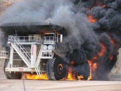 mine-dumptruck-fire-400x300